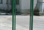 Enokrilna vrata z mrežo