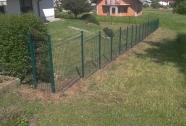 Kaskadna panelna ograja